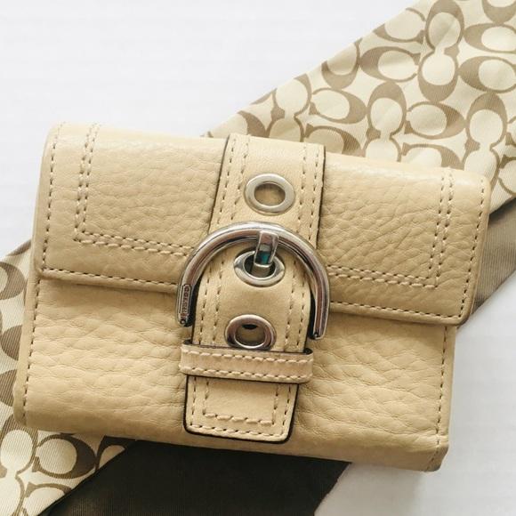 Coach Handbags - Coach Small Buckle Wallet